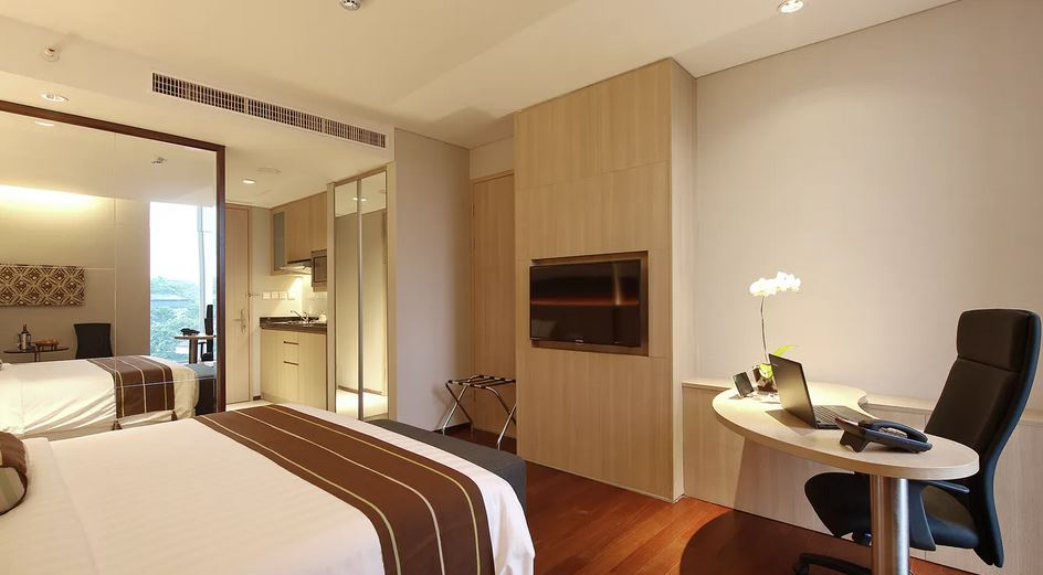 deluxe bedroom RA Premiere Residence