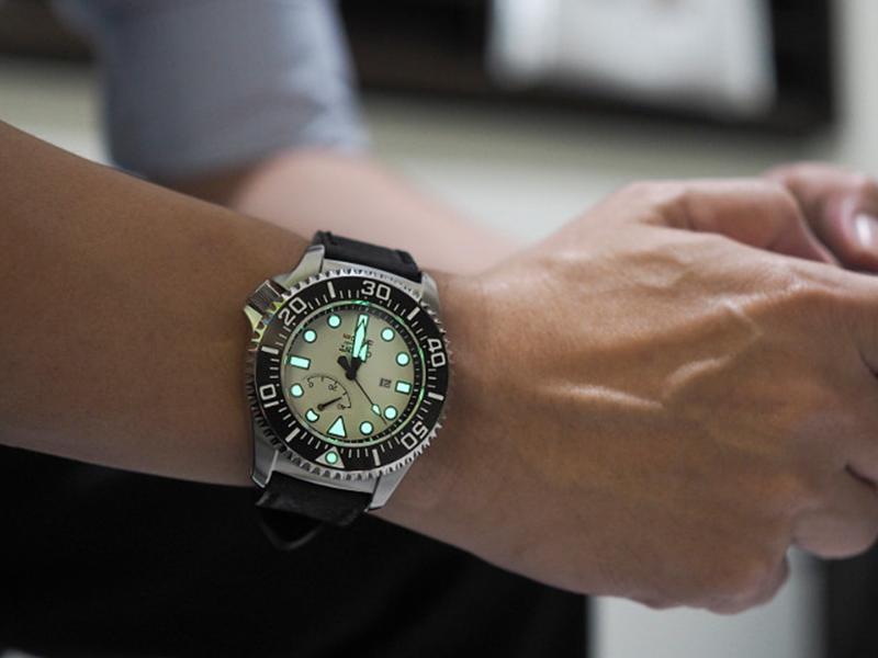 Ngành công nghiệp đồng hồ ngày càng phát triển mang đến cho thị trường đồng hồ sự đa dạng về kiểu dáng và giá cả