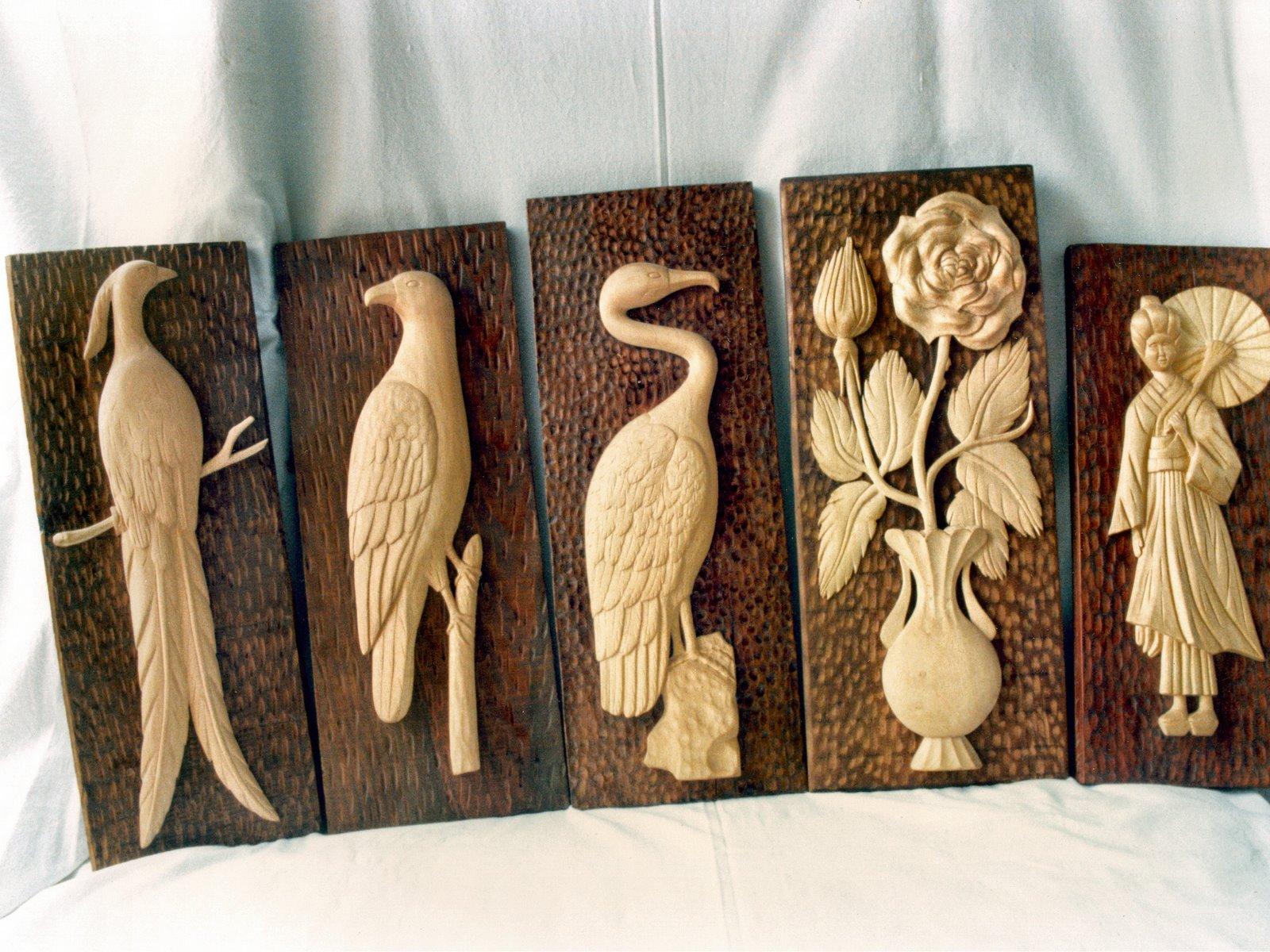 Jarr n con flores talla en madera wood carving esculturas for Fotos en madera
