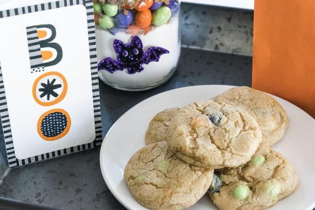 Mason Jar M&M'S Ghoul Cookies
