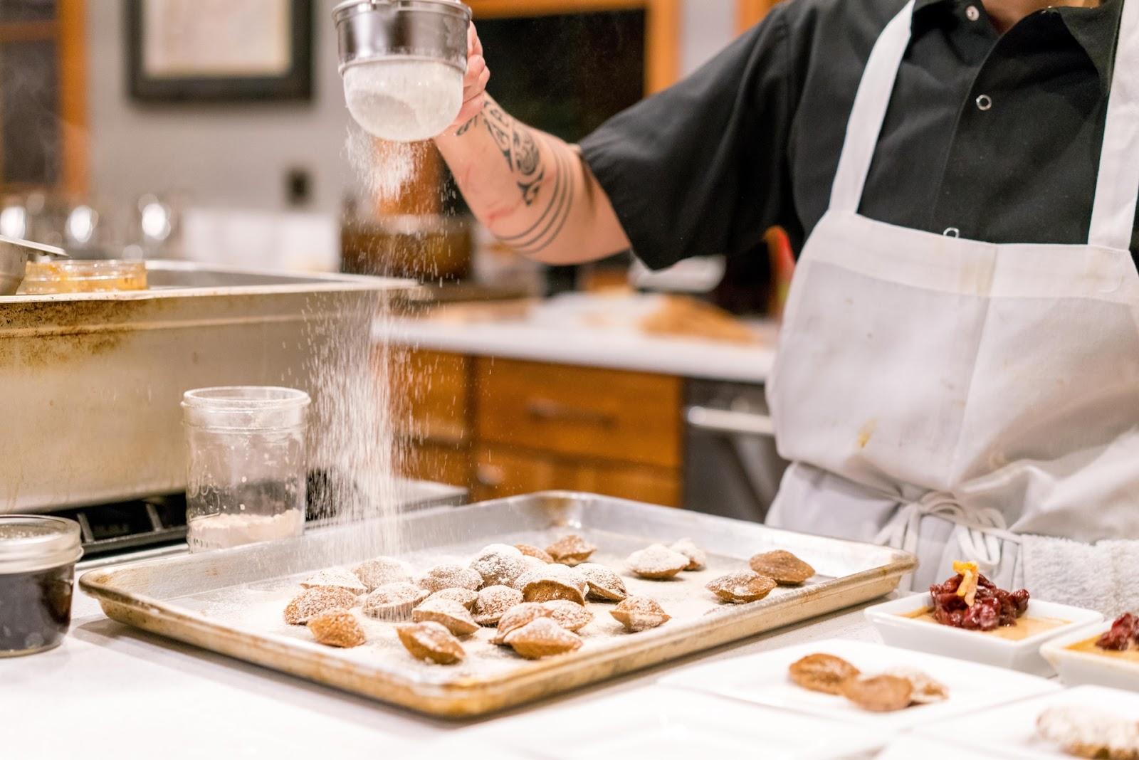 Criar própria empresa é opção para quem se forma em Gastronomia. (Fonte: Unsplash)