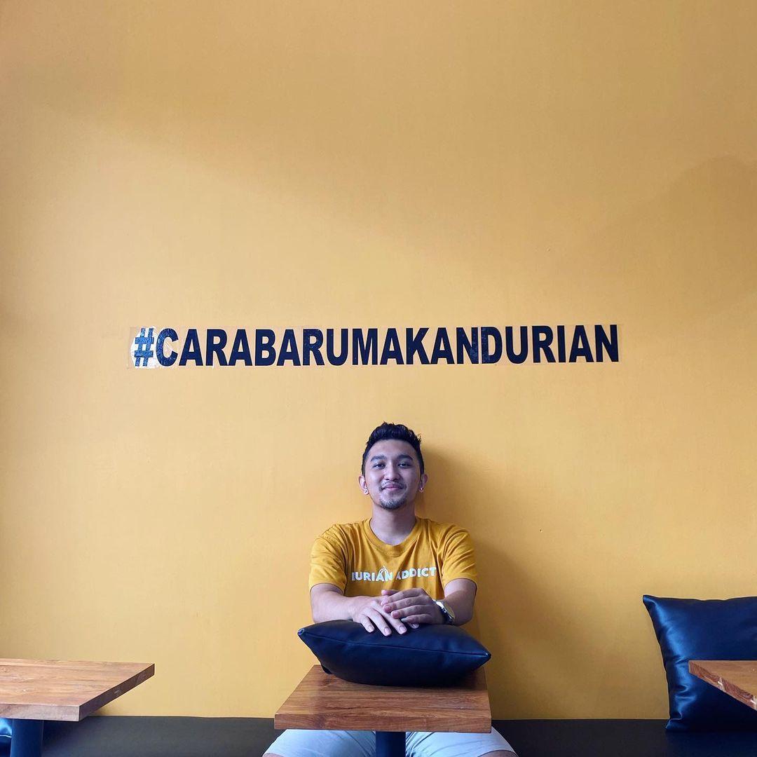 Media sosial menjadi andalan Fajar Isman dalam memulihkan Kebab Durian Becek
