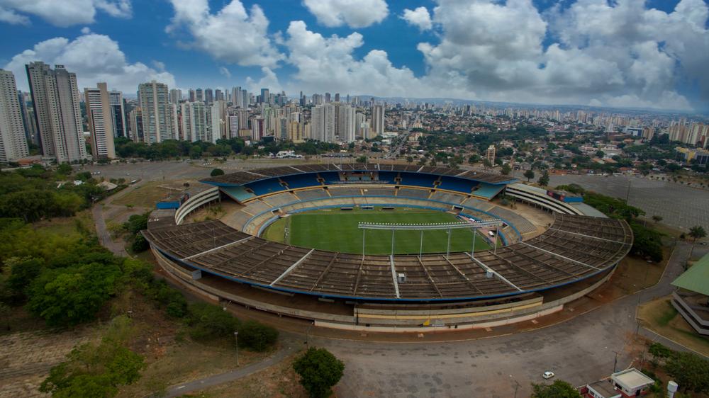O arquiteto também foi responsável pela adaptação do estádio Serra Dourada para a realização da Copa do Mundo de 2014. (Fonte: Shutterstock/ Alexandre Siqueira/Reprodução)