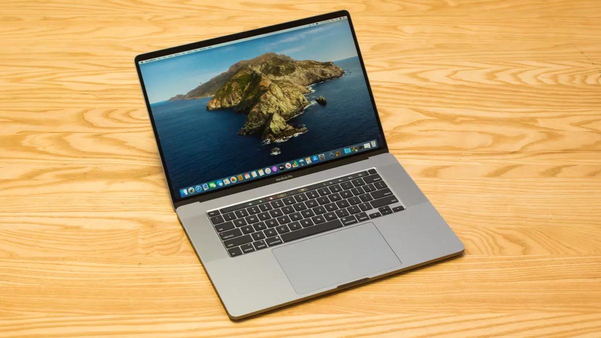Macbook Pro với vẻ ngoài cứng cáp