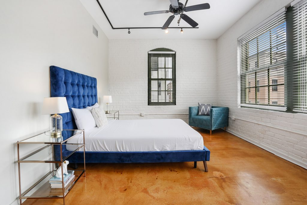 When designing a bedroom, don't forget about an often overlooked but very important component: lighting. Selecting the right light fixtures is a balance between style and function. With these bedroom lighting ideas used by interior designers, you can showcase your style and create a comfortable and relaxing environment in the most important space in your home