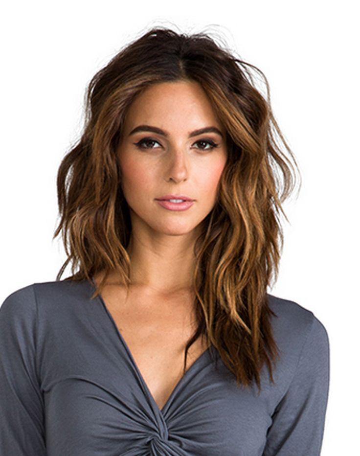 Shoulder-length  layered hair