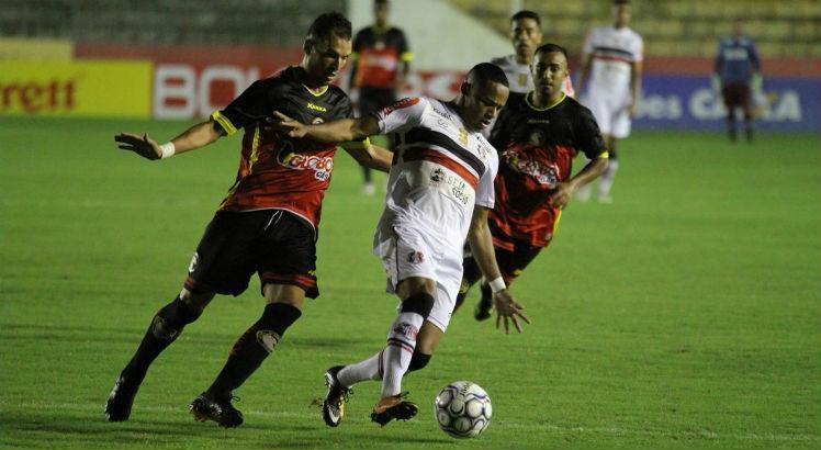 Santa Cruz conquistou a segunda vitória na Série C / Foto: Rodrigo Baltar/Santa Cruz