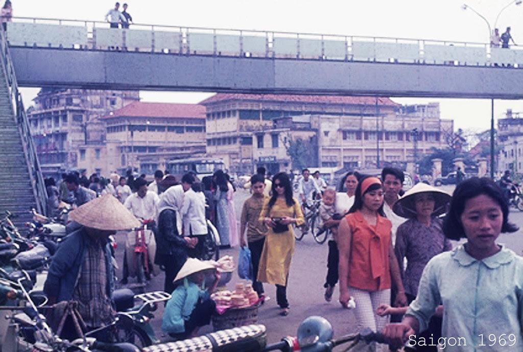 60 tấm ảnh màu đẹp nhất của đường phố Saigon thập niên 1960-1970 - 46