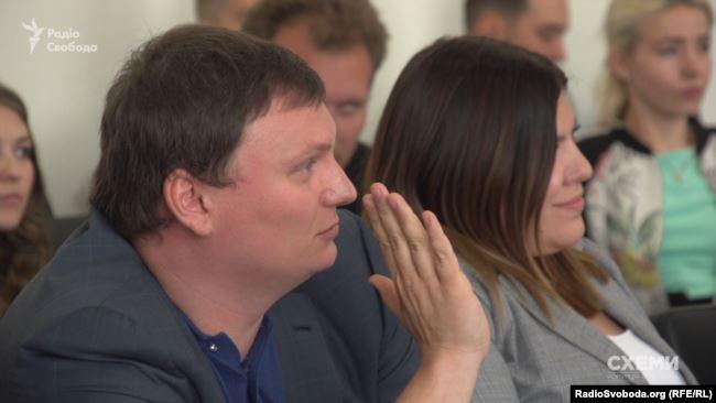 Представники «Скомпані» уникали, наприклад, питань щодо грошей на рахунку компанії