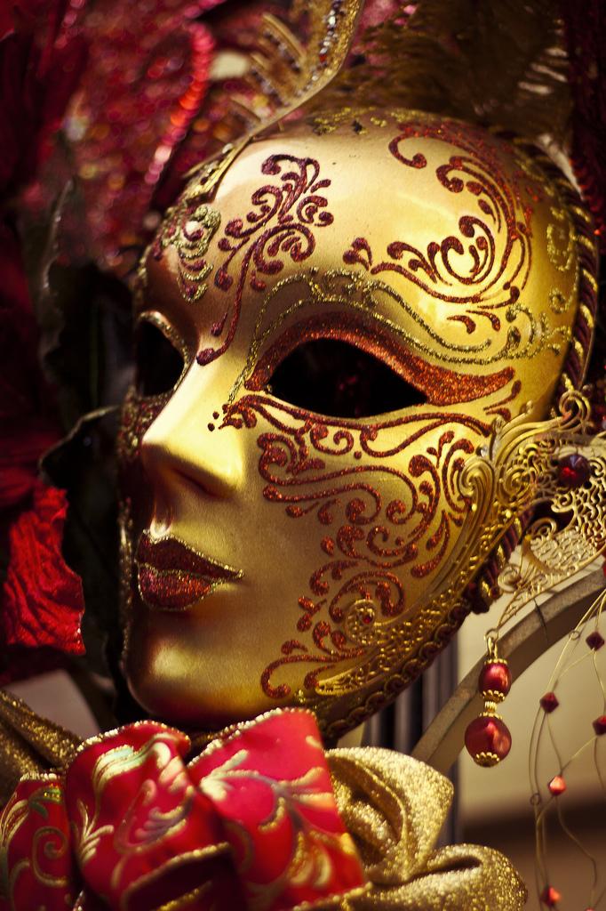 CarnivalMask.jpg