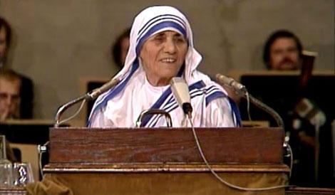 Mother Teresa delivering her Acceptance Speech.