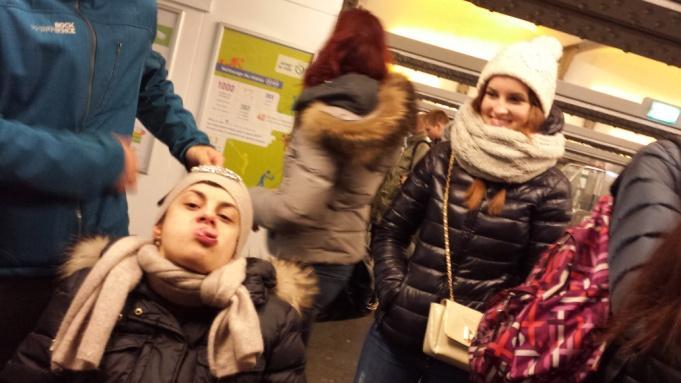 C:\Users\Sara\Desktop\FOTO ATTIVITA', SCUOLA E GITE 2012-2013\29- Parigi\Parigi (31).jpg