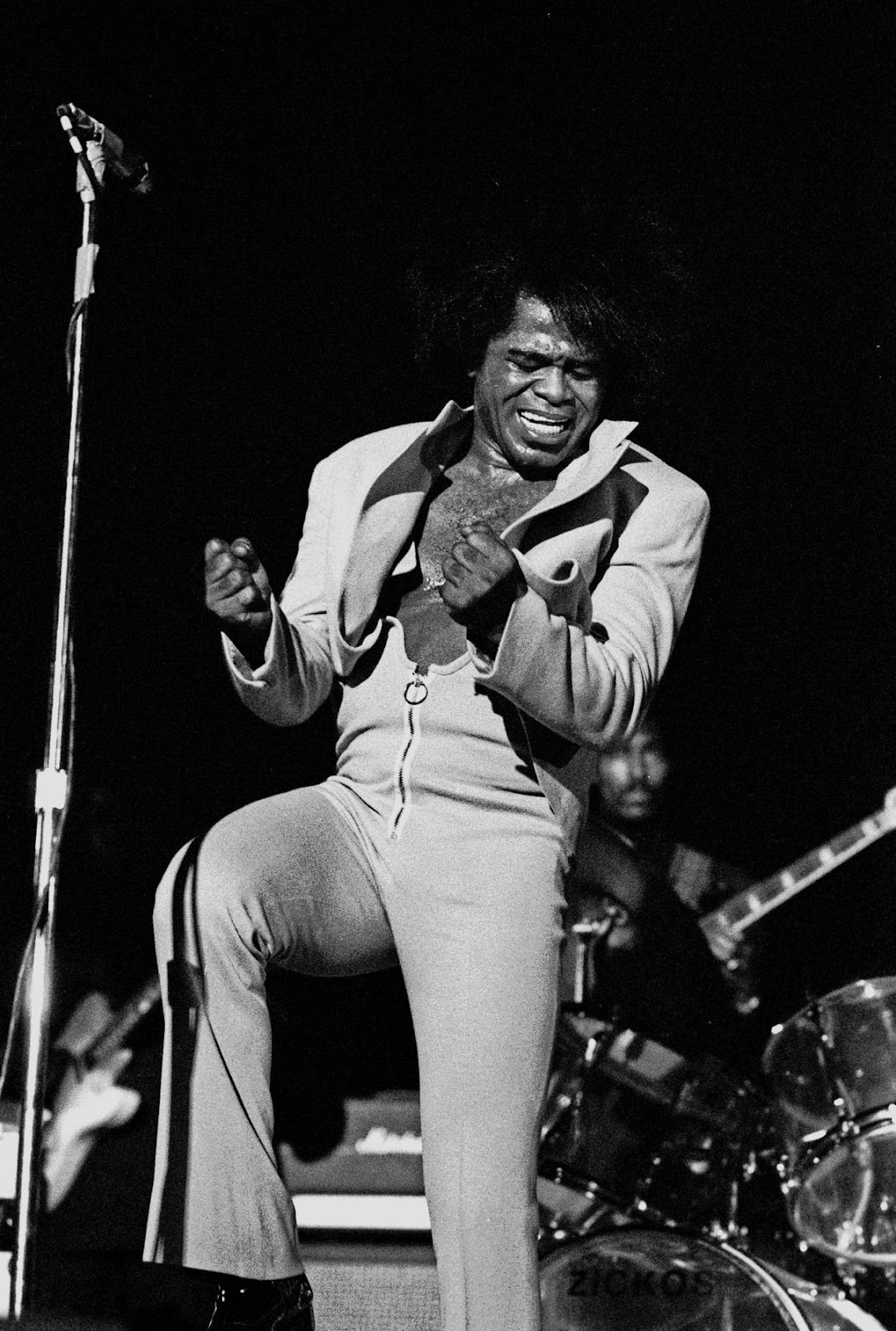 James Brown performando ao vivo em Hamburgo, Alemanha (1973)