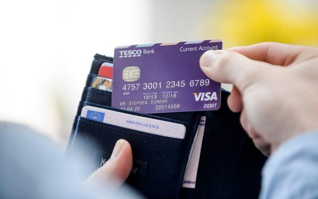 Chủ thẻ tín dụng tại Củ Chi cần tới dịch vụ rút tiền thẻ tín dụng để có thể giải quyết được những khó khăn, thử thách mà mình gặp phải