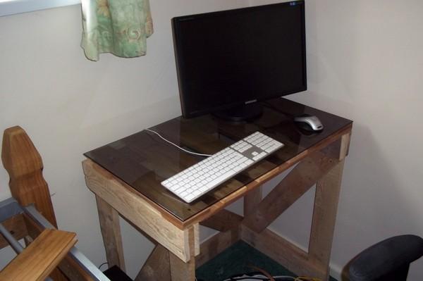 простой столик из поддона своими руками