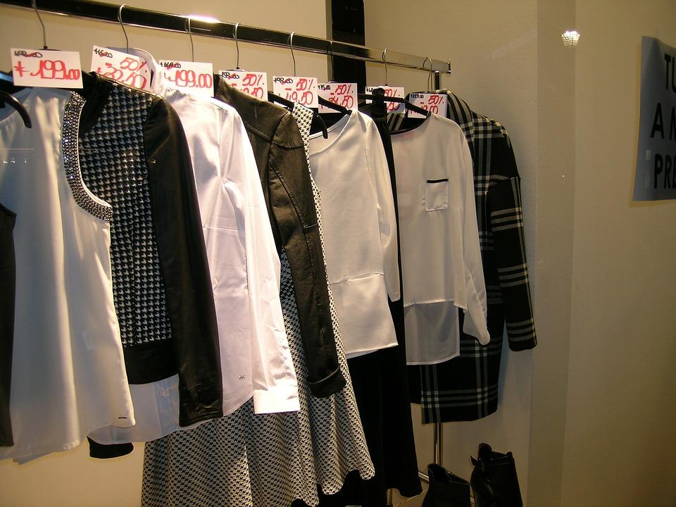 clothes-1624973_960_720.jpg