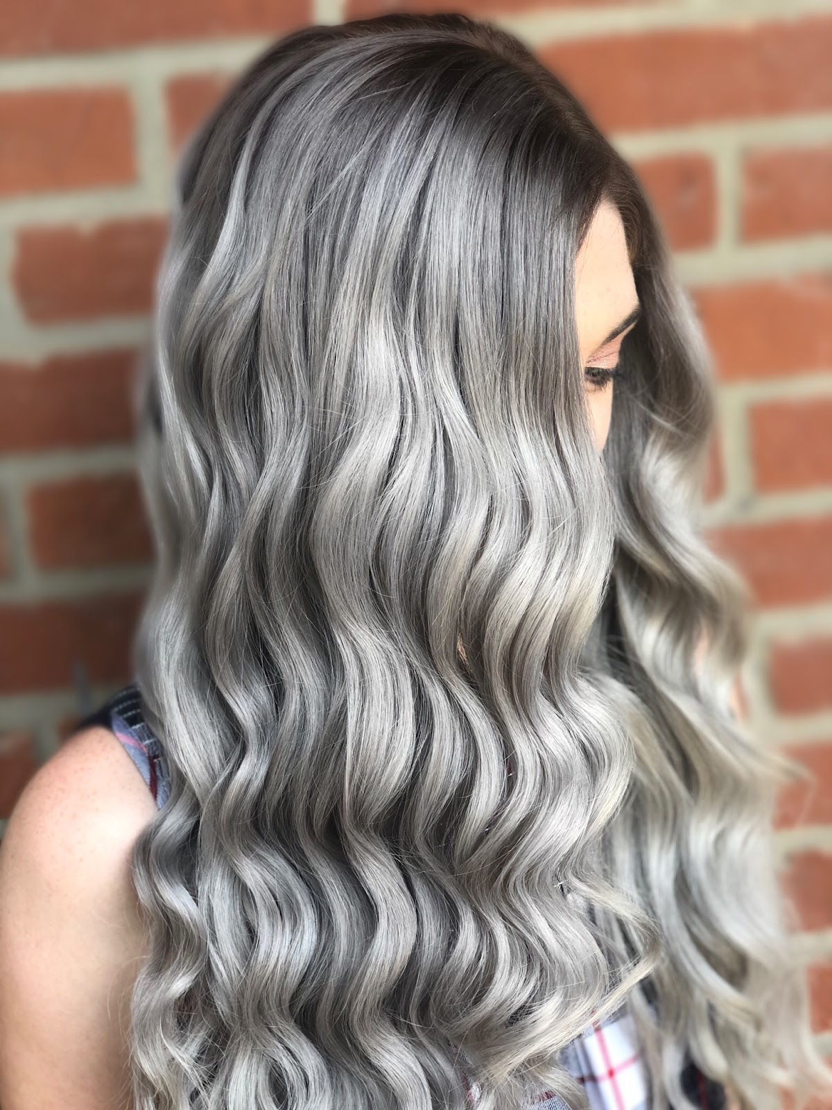 @luxlittler Silver color melt using Pravana at Phia Salon in Columbus, Ohio