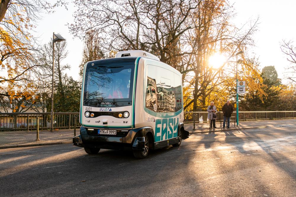 O Grupo Moovin´On defende a viabilidade econômica da utilização de veículos autônomos em regiões remotas. (Fonte: Shutterstock/Anski21/Reprodução)