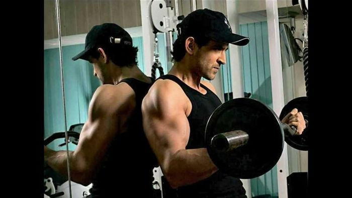 Bollywood Actors Workout Pictures | Hrithik Roshan