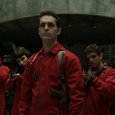 Red, Screenshot, Outerwear, Jacket, Fictional character, Games,