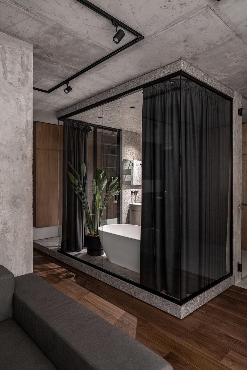 Ванна відгороджена скляною стіною