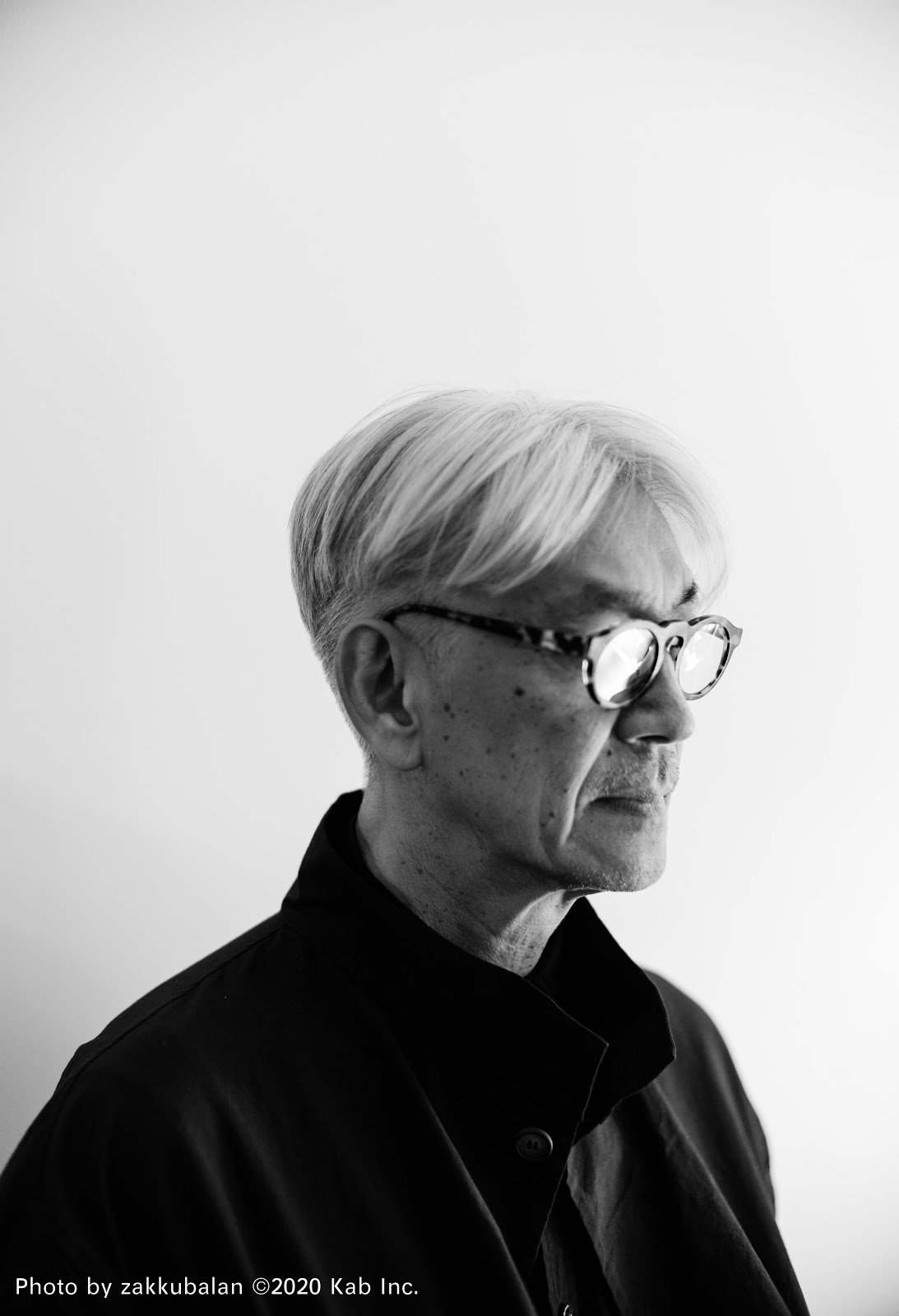 First review of Ryuichi Sakamoto's forthcoming song 'fragments, time' praises the earthy, musical sound of breaking pottery