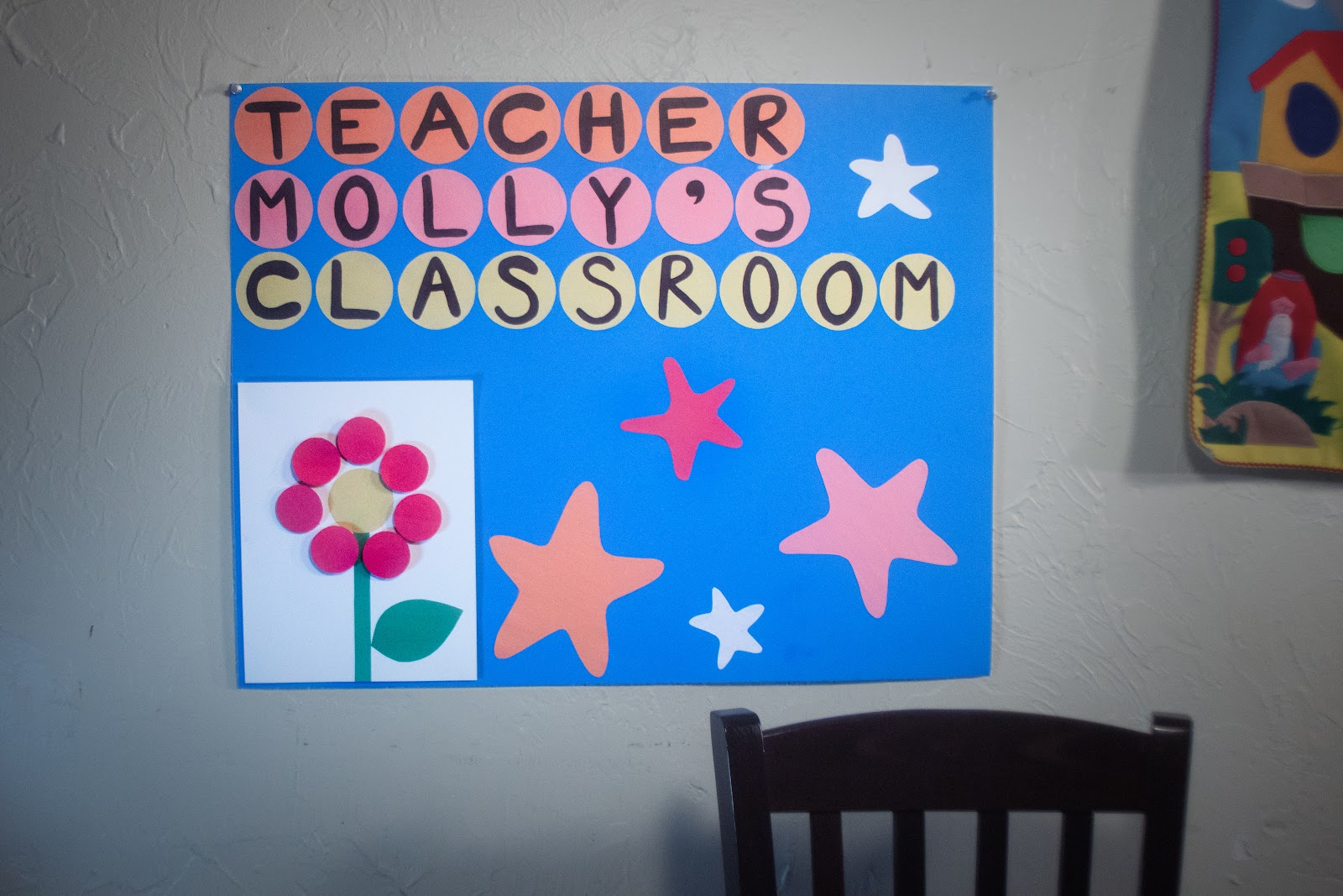 background poster for the online classroom