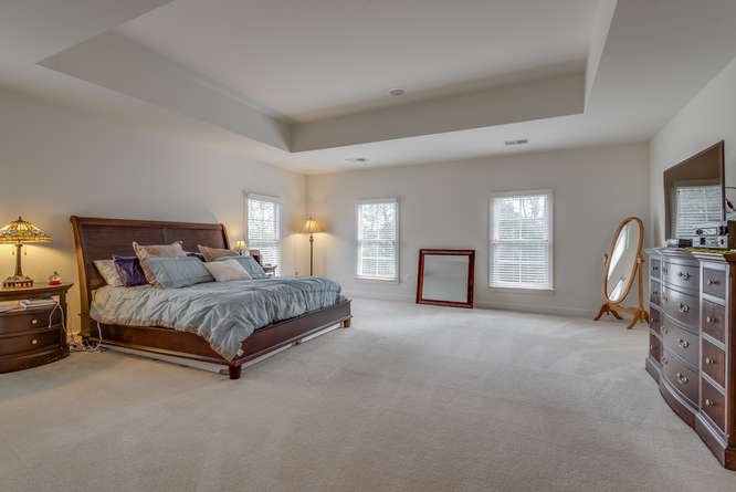 22414 Dinah Pl Leesburg VA-small-039-5-Master Bedroom-666x445-72dpi.jpg