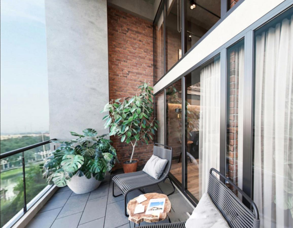 balkon unit soho new york apartemen meikarta cikarang - kadungcampur