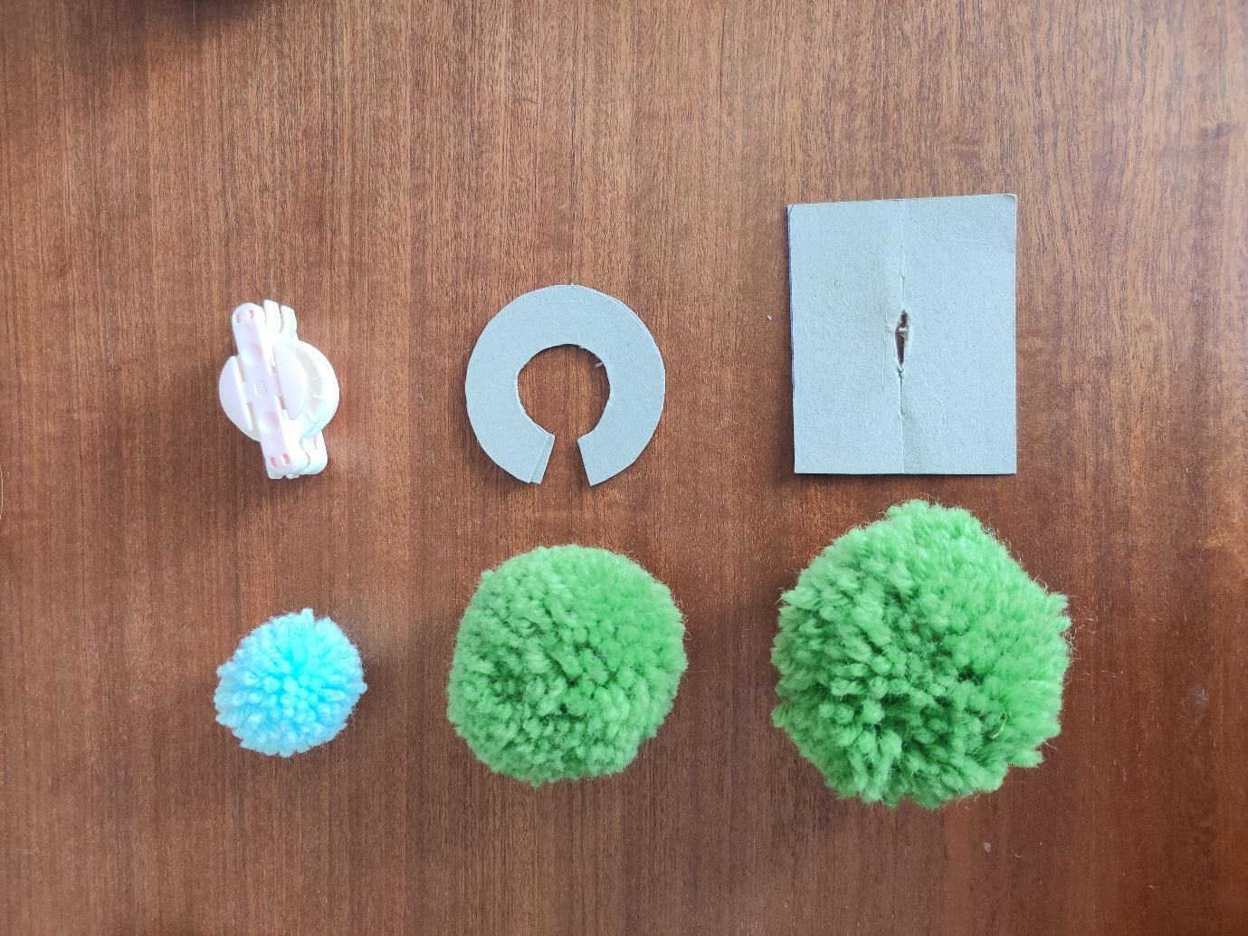 Three pompom making methods