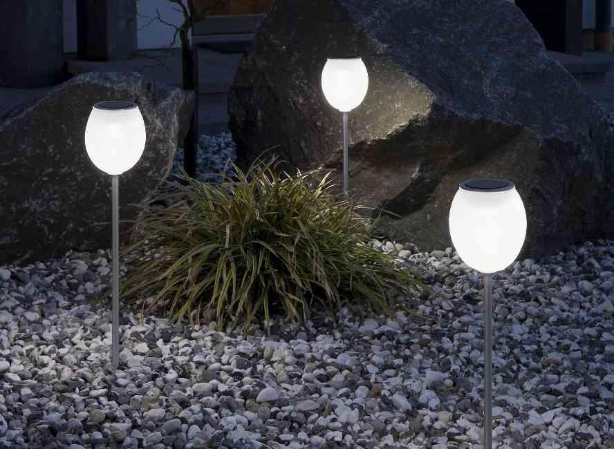 Solar-Powered-Outdoor-Lighting-–-An-Economical-Solution-for-Your-Garden-4.jpg