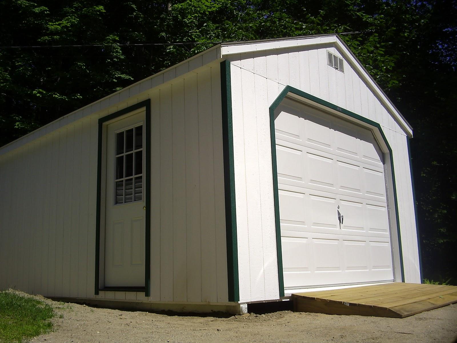 Car_garage_-House_Detached-_July_4th_2008.JPG