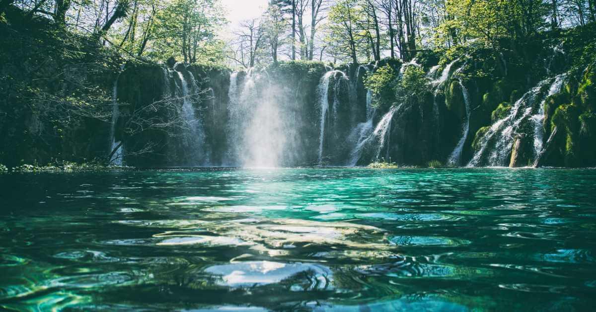 waterfalls-at-bali
