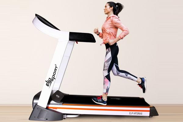 Chạy bộ hay đi bộ trên máy chạy bộ tiêu hao mỡ thừa nhiều hơn?