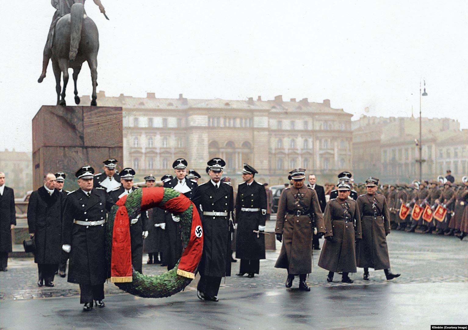 Facebook заблокировал  российского колориста из-за «опасных» фотографий  Второй мировой войны