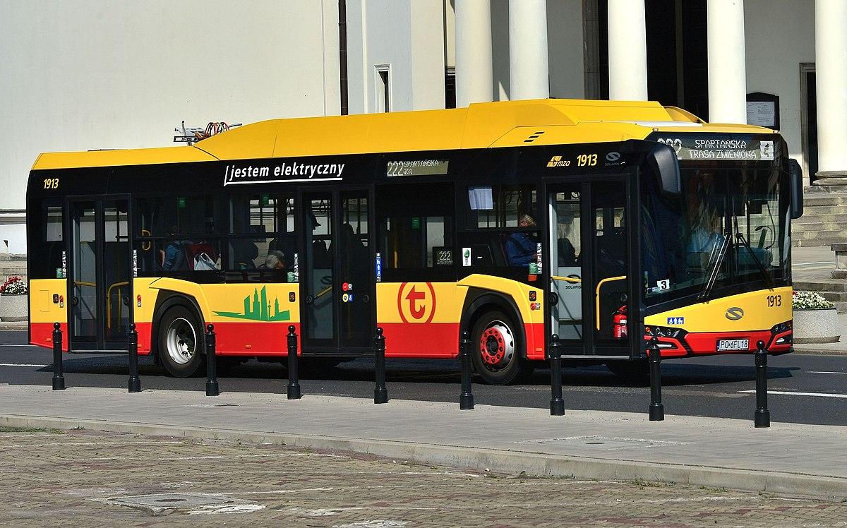 1200px-Solaris Urbino 12 Electric na placu Trzech Krzyży w Warszawie