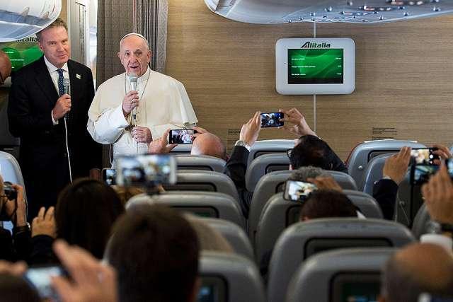 Toàn văn họp báo trên máy bay của Đức Thánh Cha Phanxico từ Colombia trở về