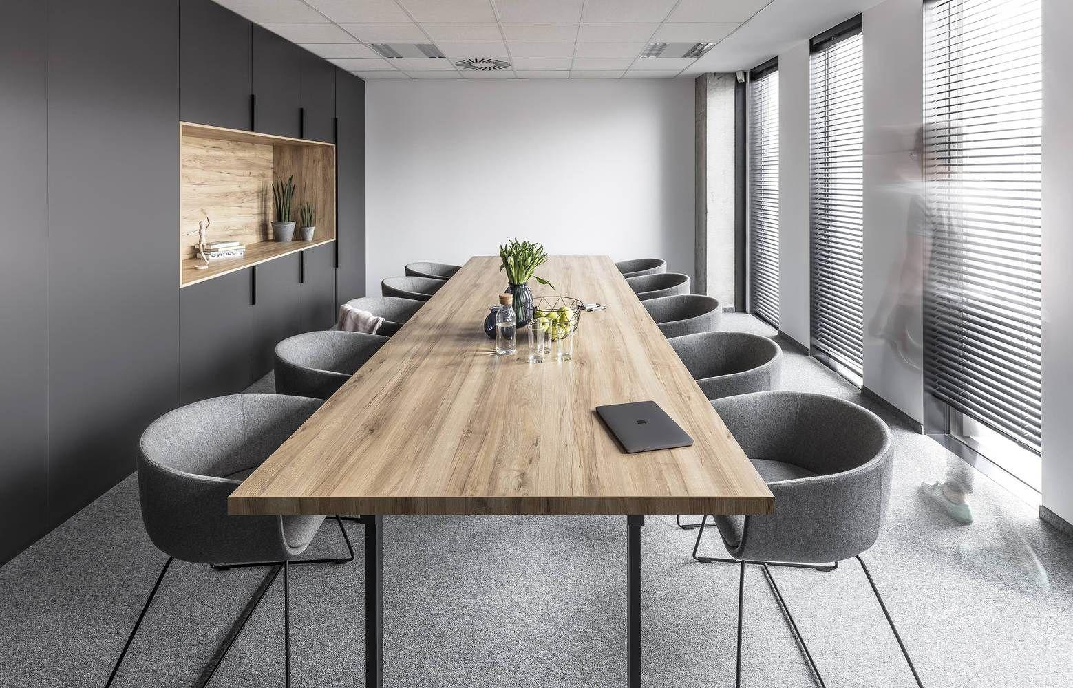 Các lưu ý quan trọng cần biết khi chọn bàn họp văn phòng