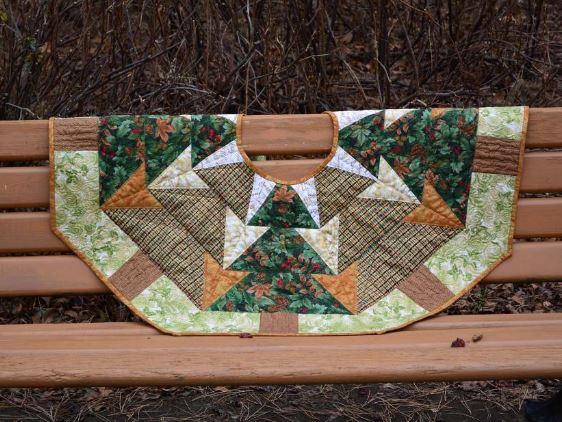 Woodland-Themed Tree Skirt - Craftsy.com