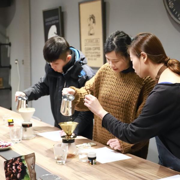 品品學堂-精品手沖咖啡體驗