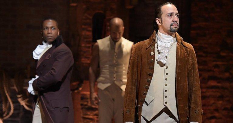 Leslie Odom Jr. y Lin Manuel Miranda en sus papeles de Aaron Burr y Alexander Hamilton en el original de Broadway.