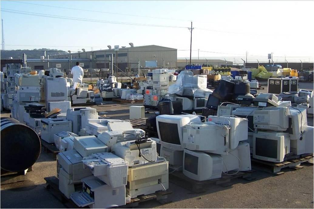 C:\Users\Jeff Kranz\Desktop\TC\TerraCycle\9 - Posts and Blogs\Dish\7 - September Issue\5 Ways to Responsibly Dispose of E-Waste\4454155260_0feb5ebe23_o.jpg