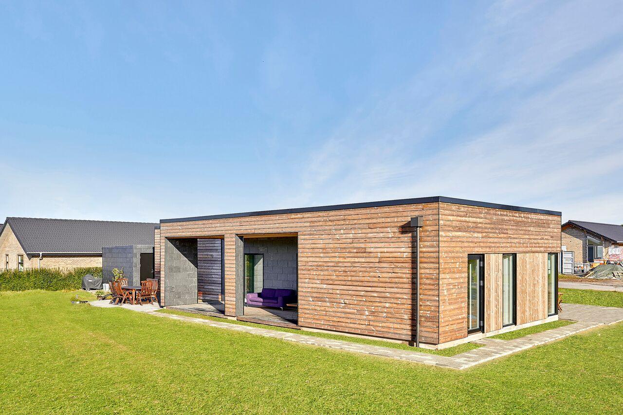 När den danska firman Jakobsen byggde detta hus var önskemålet att allt skulle vara hållbart. Så att välja trämaterial från Kebony föll sig naturligt