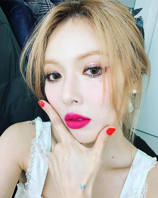 Thực chất đây đang là một hot trend makeup trong giới sao Hàn đấy nhé
