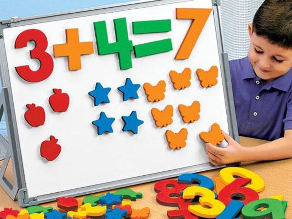 Cho bé học toán tư duy càng sớm càng tốt.
