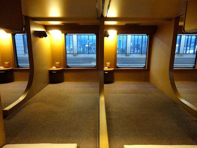Як виглядають плацкартні вагони у різних країнах світу японія