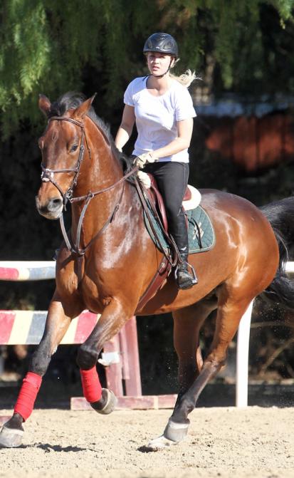 Friday Flicks Celebrity Equestrian Kaley Cuoco Horse Nation