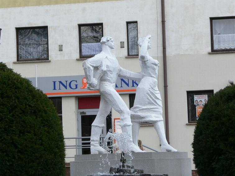 Pomnik Karolinki w Gogolinie
