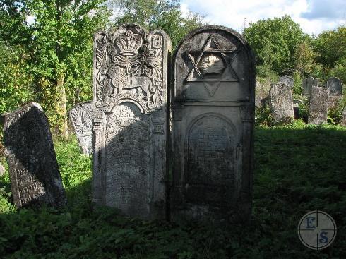http://myshtetl.org/chernovickaja/images/vizhniccem_016.JPG
