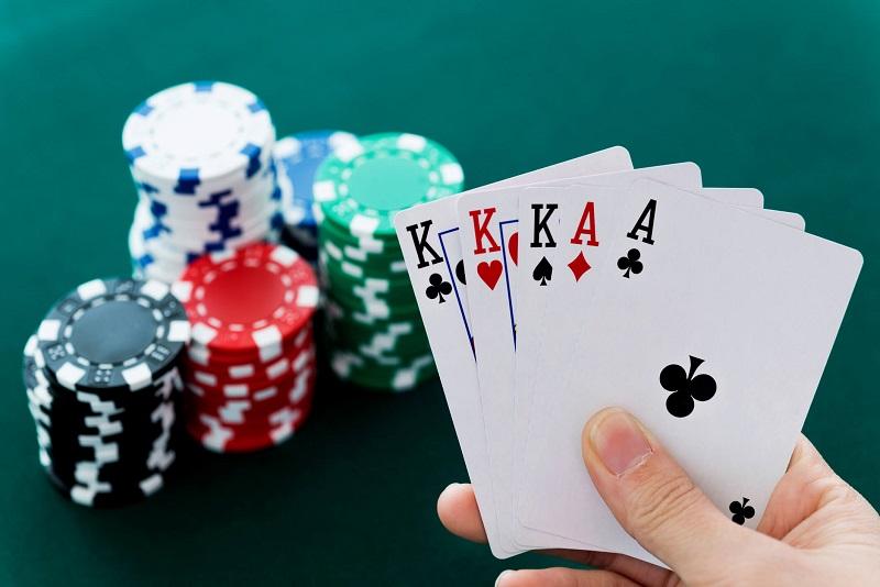 Poker là một trong những trò hấp dẫn hàng đầu